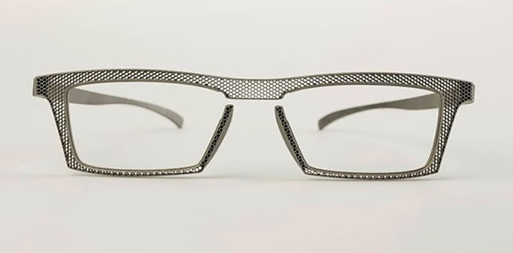 Titanium hoet eyewear